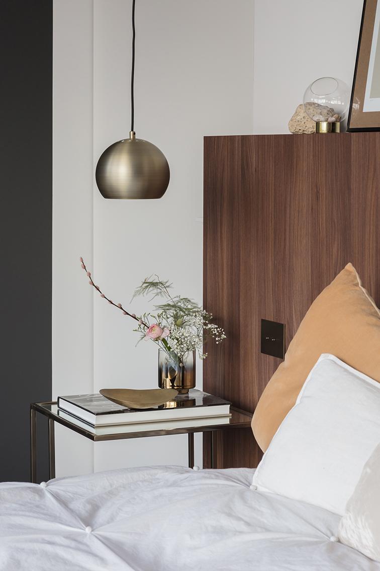 Interieurinrichting interieurarchitect Alexander Hugelier beeldpunt totaalrenovatie maatwerk slaapkamer dressing