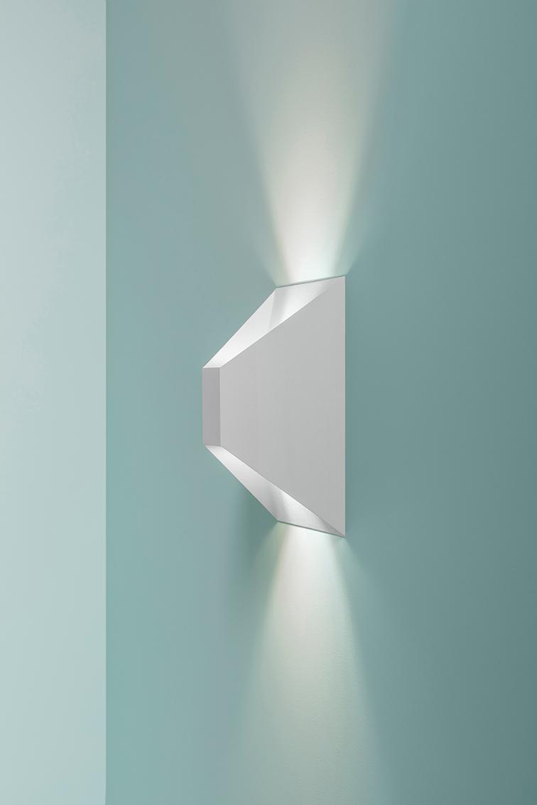 c-fotograaf-valerie-clarysse-wwww-beeldpunt-com-fotoshoot-voor-delta-light-copyright-productfotografie-blauw-121
